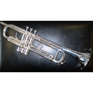 Courtois 334ML Trumpet (med-large bore - reverse lead-pipe) in silver